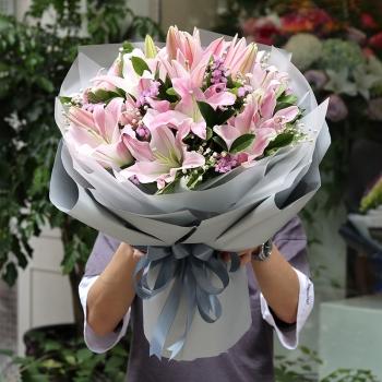 爱的回礼-19朵百合花