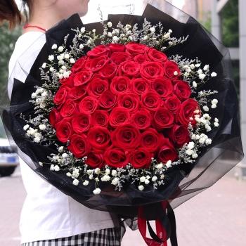 守护甜心-52朵红玫瑰花束