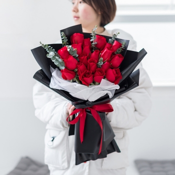 爱意浓浓-19朵红玫瑰花束