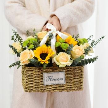 桃李满天下-向日葵香槟玫瑰混搭手提小花篮