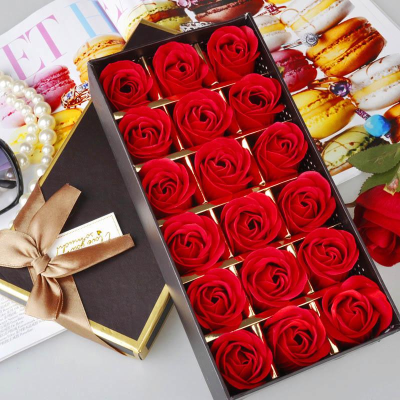 18长方形礼盒:18朵红色香皂花