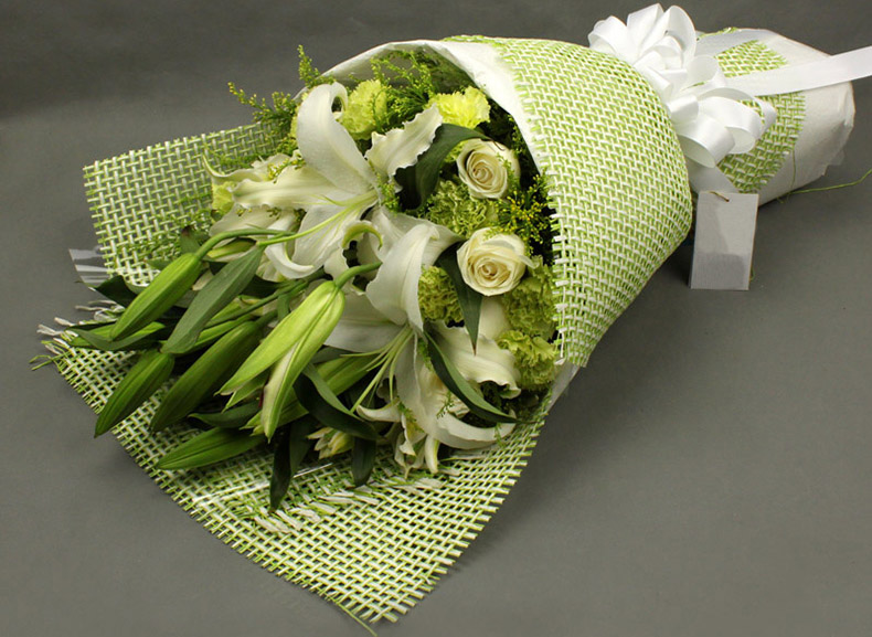 鲜花包装:扇形花束