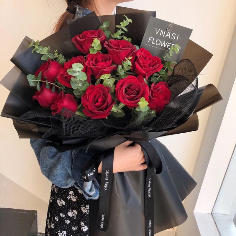 姹紫嫣红-11朵红玫瑰花束