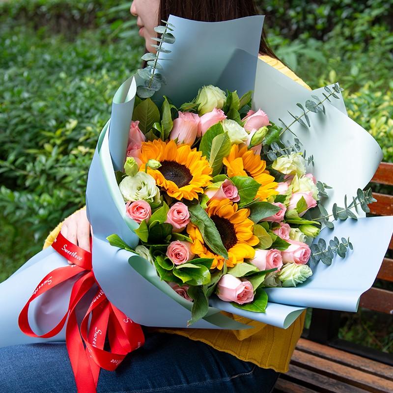 清新夏日-3朵向日葵11朵粉玫瑰混搭花束