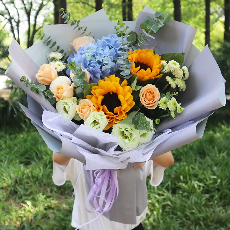 执手问年华-香槟玫瑰向日葵韩式花束