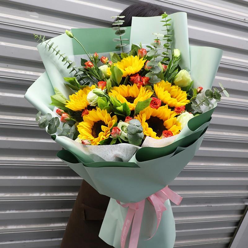 微笑向暖-6朵向日葵韩式花束
