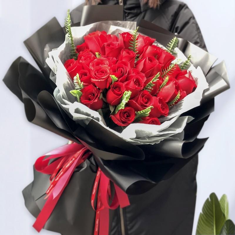 爱相随-33朵红玫瑰花束