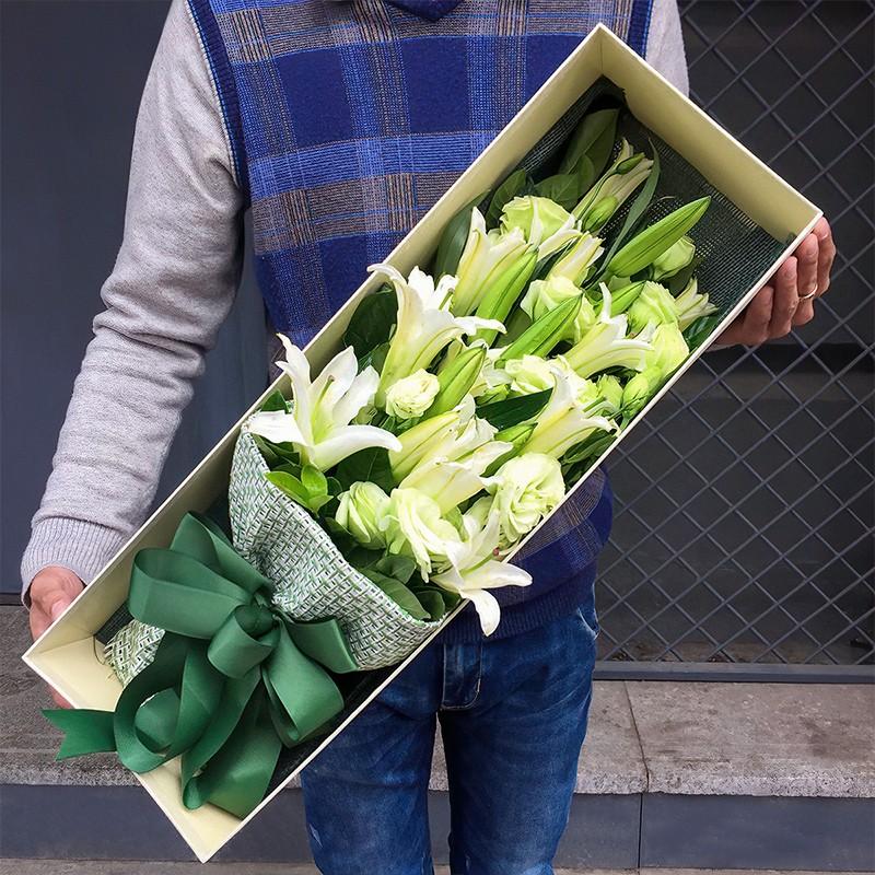 温情-19朵白百合礼盒