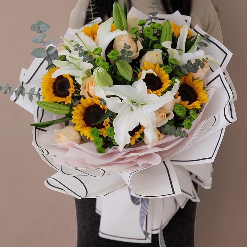 情真意切-向日葵百合韩式花束